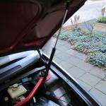 Ook de motorkap van de GT maar is voorzien van een gasveer